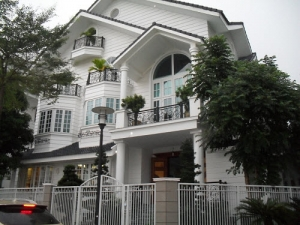 Selling luxury villa at Saigon Pearl 147sqm 4 beds full furnished