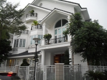 Biệt thự khu Saigon Pearl 147m2 4PN đầy đủ nội thất cần bán
