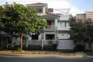 Luxury Villa in Phu My Hung for Rent in District 7