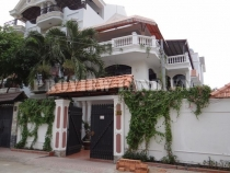 Villa for rent in District 2,near The Vista, good price