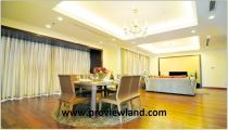 Bán căn hộ Vincom Quận 1 tầng 22 dt 167m2 3PN