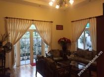 Villa cần bán trên đường Nguyễn Văn Hưởng Quận 2 10x18m 4 phòng ngủ