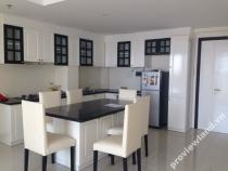 Cho thuê căn hộ Tropic Garden 88m2 với 2 phòng ngủ có ban công dài