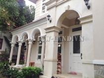 Cho thuê biệt thự compound cực đẹp khu Thảo Điền 4 PN sân vườn rộng