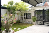 Villa for sale in Vo Truong Toan street, District 2, 8x27m