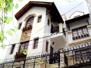 Villa for sale on Huynh Van Banh 9x9m 2 floors big garage designed by Dutch arrchitect