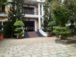 Thao Dien Villa for sale 2000m2 with pool and beautiful garden