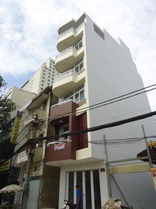 Bán nhà hẻm xe hơi đường Nguyễn Văn Trỗi 232m2 1 trệt 2 lầu vị trí thuận lợi
