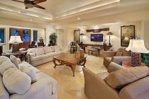 Cho thuê căn hộ vincom Quận 1 diện tích 340m2