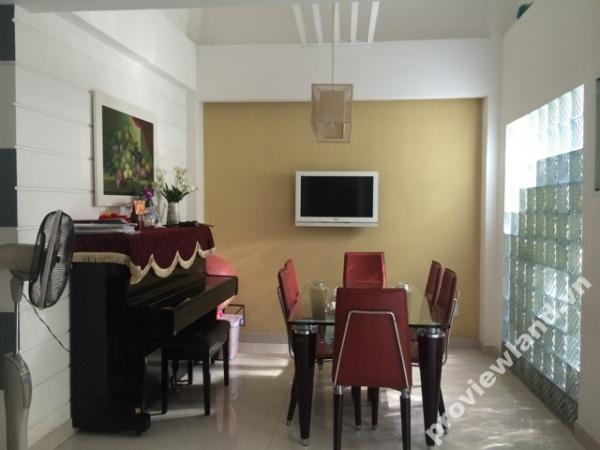 Nhà cho thuê tại quận 1 trên đường Nguyễn Bỉnh Khiêm 4x20m có sân vườn